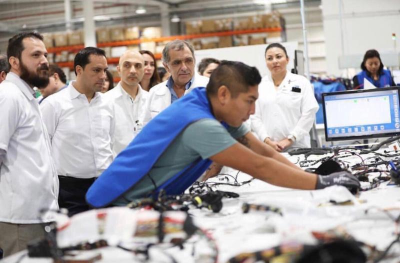 En agosto de 2019 fueron registrados ante el IMSS 379,204 trabajadores que hoy en día cuentan con un trabajo que les otorga seguridad social, lo que representa un aumento de 3.4% respecto al mismo mes del año pasado.