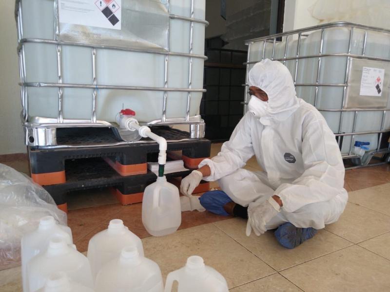 El Gobierno del Estado adquirió miles de litros de gel antibacterial con 70% de alcohol para distribuir en los principales hospitales de Yucatán