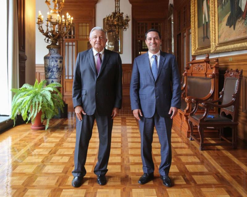 Vila Dosal y López Obrador abordaron temas relacionados con el Tren Maya y la ampliación del Puerto de Altura de Progreso y reubicación del Aeropuerto de Mérida.