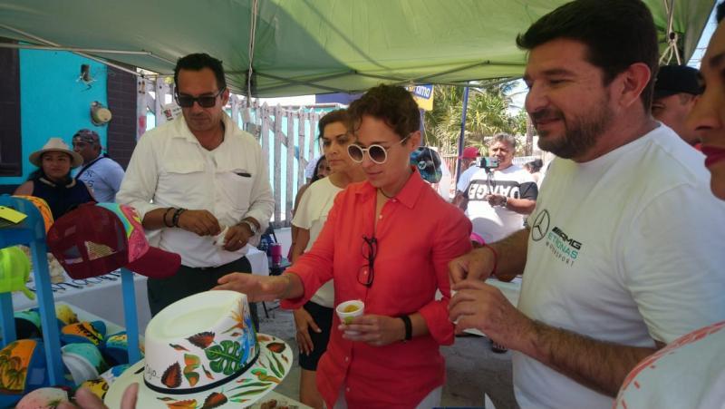 La titular de la Sefotur visitó El Cuyo y compartió experiencias con lugareños y autoridades.