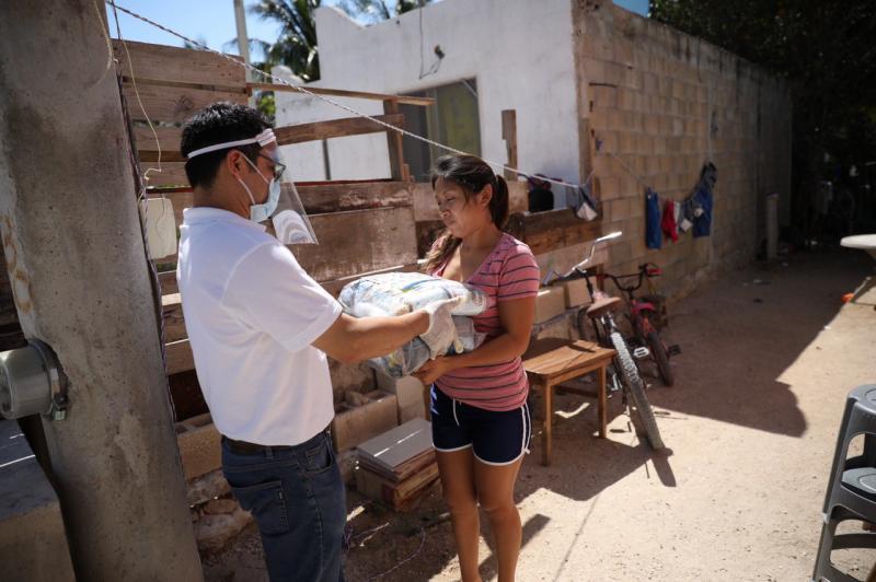 Instruye Gobernador Mauricio Vila Dosal ayudas alimentarias para 450,000 mil hogares yucatecos de todo el estado durante 2 meses