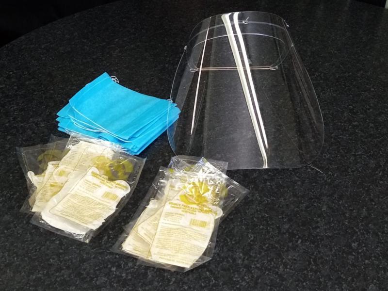Por disposición del Gobernador Mauricio Vila Dosal, se distribuyeron kits de protección para disminuir los riesgos de contagio del Coronavirus.