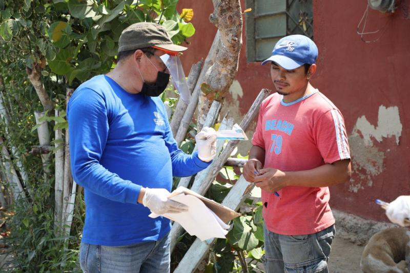 Hombres y mujeres de 55 municipios de todo el estado que se dedican a esta actividad estarán recibiendo 2,000 pesos mensuales durante abril y mayo.