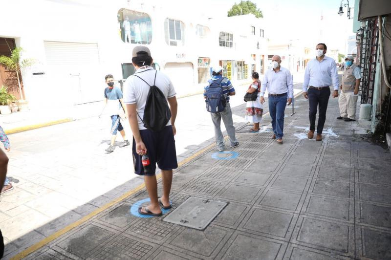Sauri Vivas supervisó que las actividades en las nuevas zonas de ascenso y descenso del transporte público y demás modificaciones se realicen cumpliendo con las disposiciones para cuidar la salud de la población.